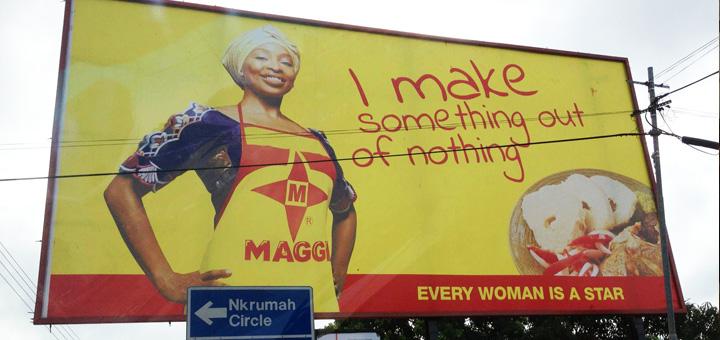 Werbung in Entwicklungsländern: Billboard in Accra, der Hauptstadt von Ghana