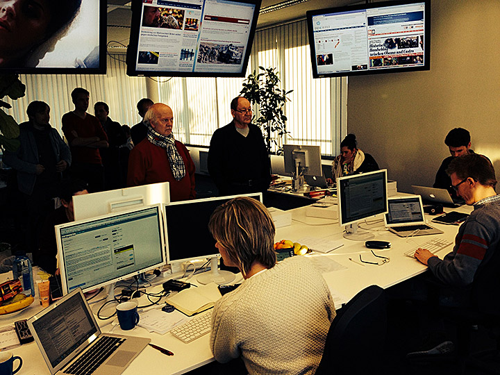Blogger im Newsroom der Huffington Post Deutschland