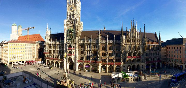 Blick auf den Marienplatz (vom Presseclub München)