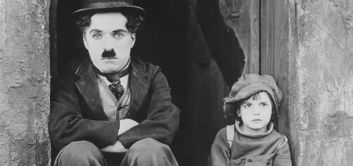 "Promotion-Foto für ""The Kid"" von Charlie Chaplin. [Public domain], via Wikimedia Commons"